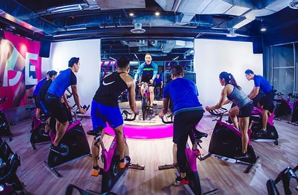 Celebrity Fitness Thailand Freestyle Cycling Class 4